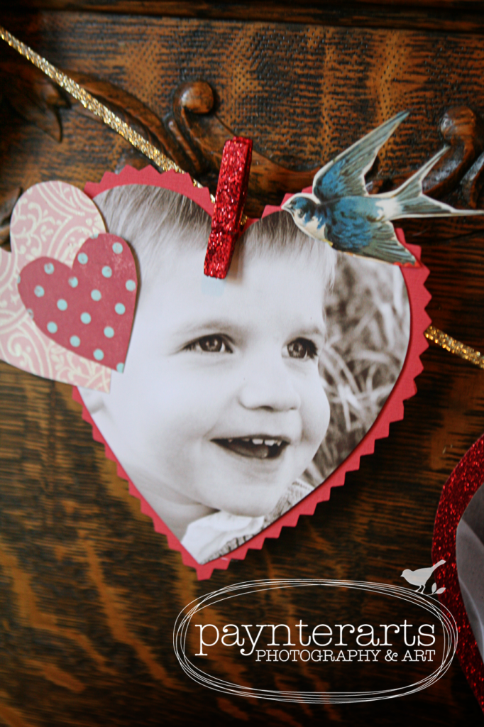 http://paynterarts.blogspot.com/2012/02/think-outside-frame-valentine-bunting.html