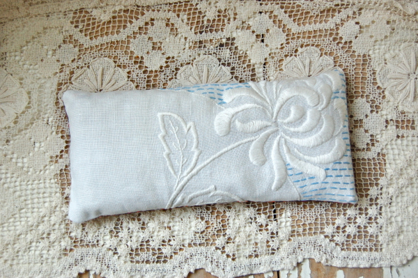 flax seed and lavender eye pillow yoga pillow